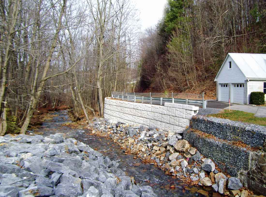 Dudly-river-Pennsylvania-magnumstone-retaining-walls-completed