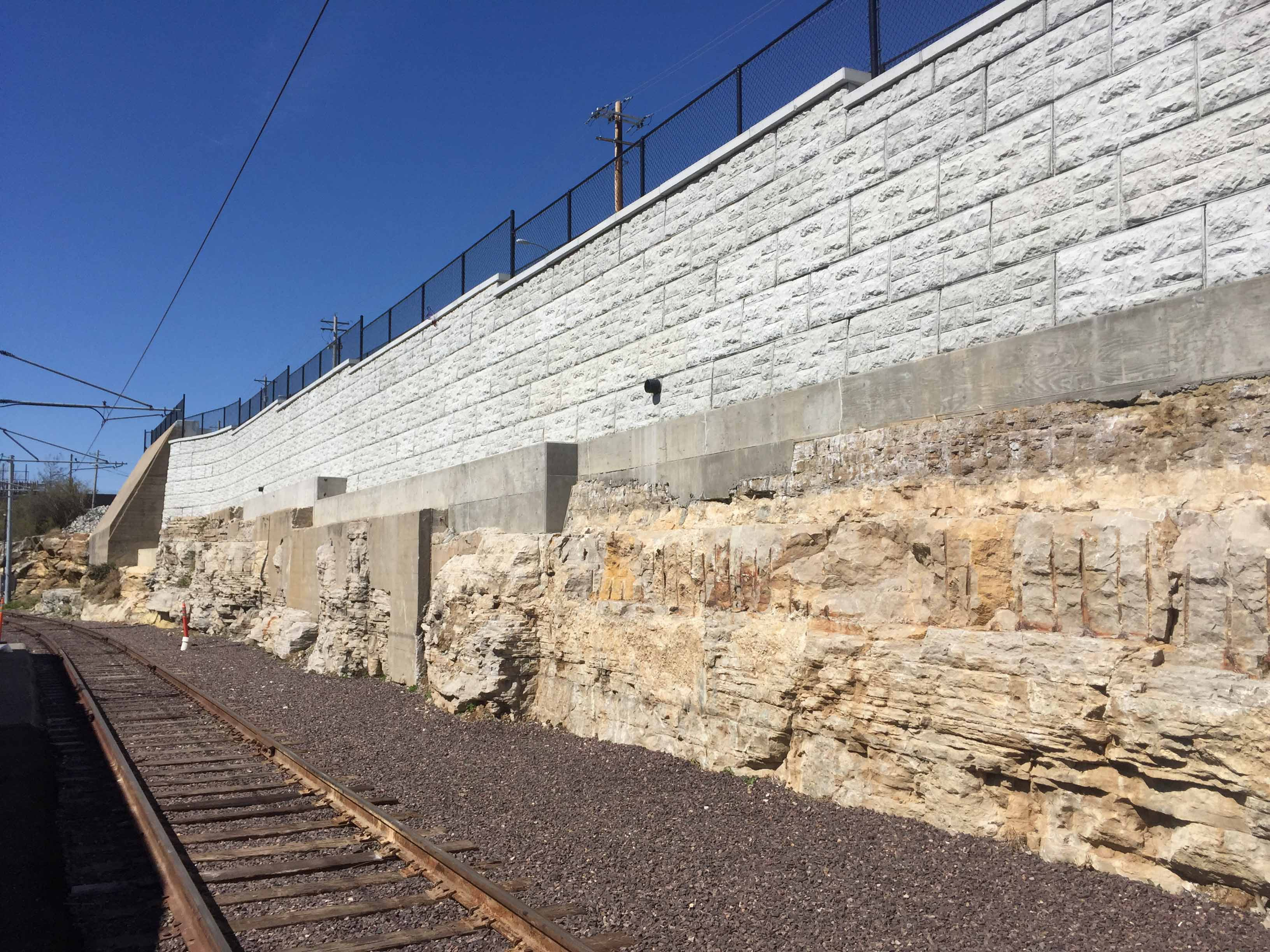 MaxumStone castle face retaining wall in st louis missouri long view