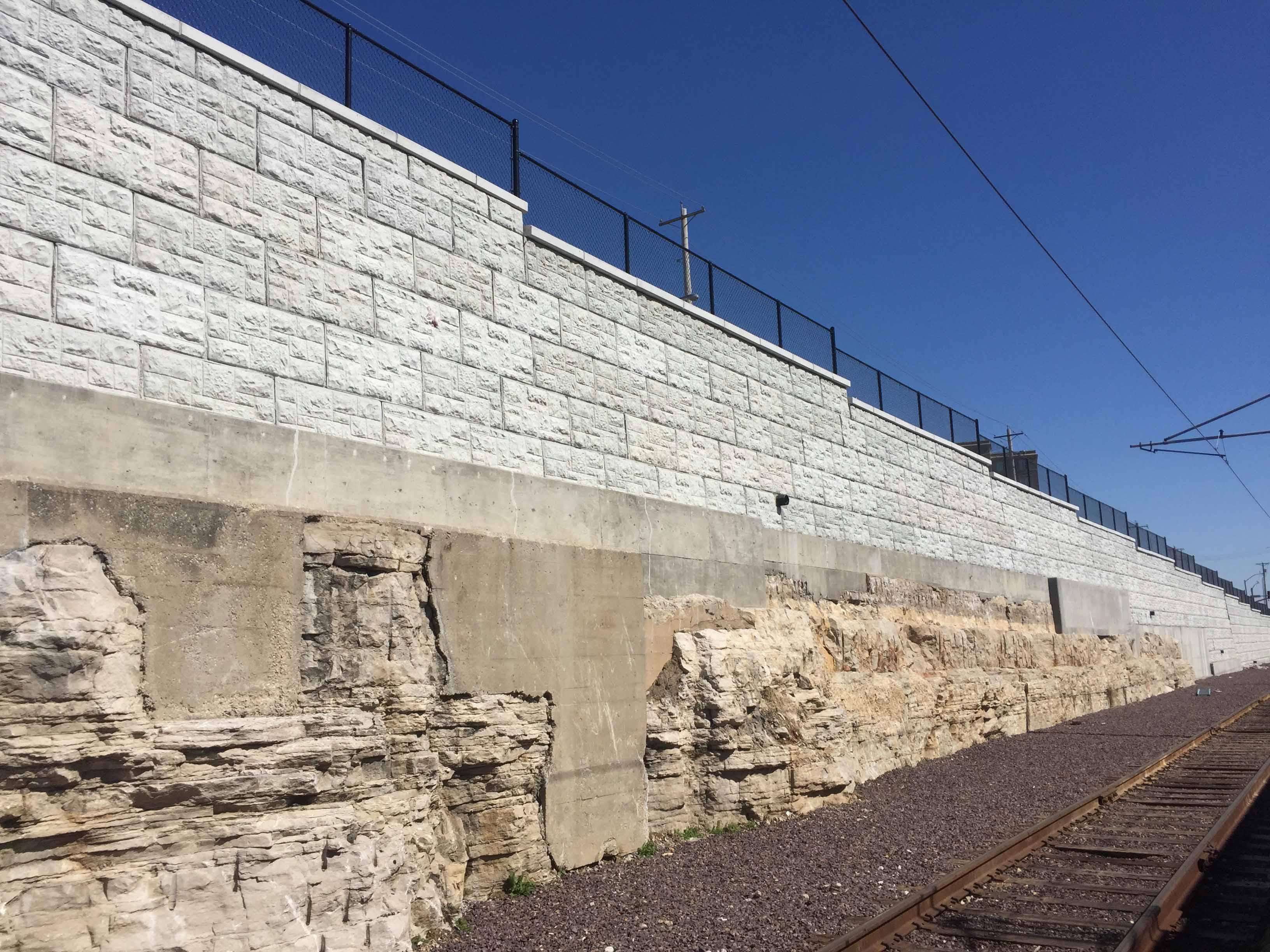 MaxumStone castle face retaining walls in st louis missouri