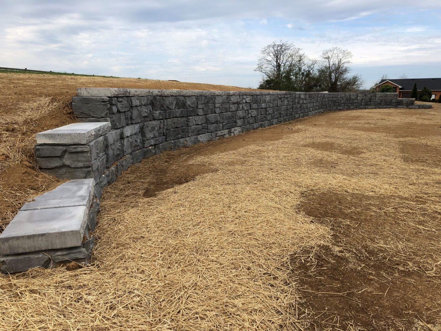 Bardstown Kentucky MaxumStone Retaining Wall with curves