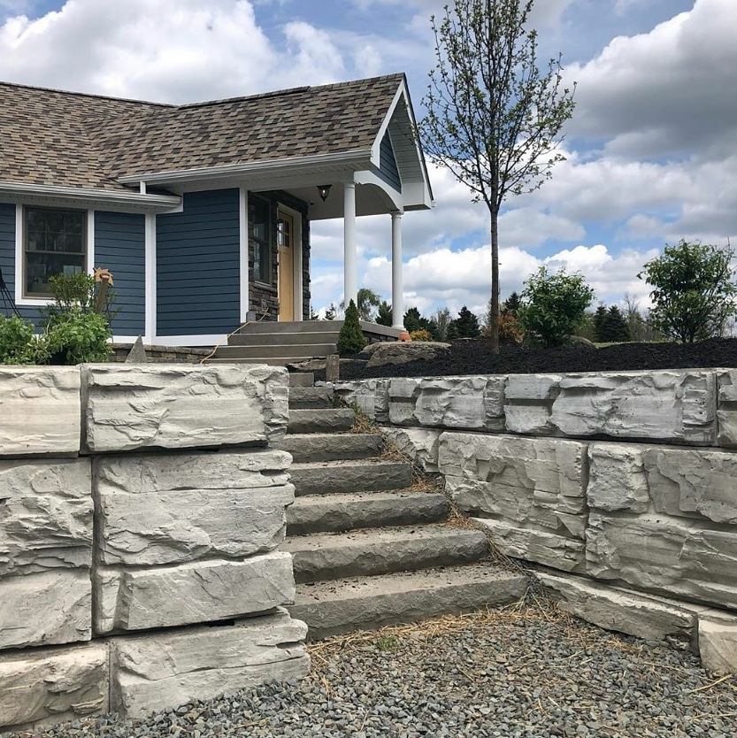 Residential MaxumStone Retaining Wall With Stairs