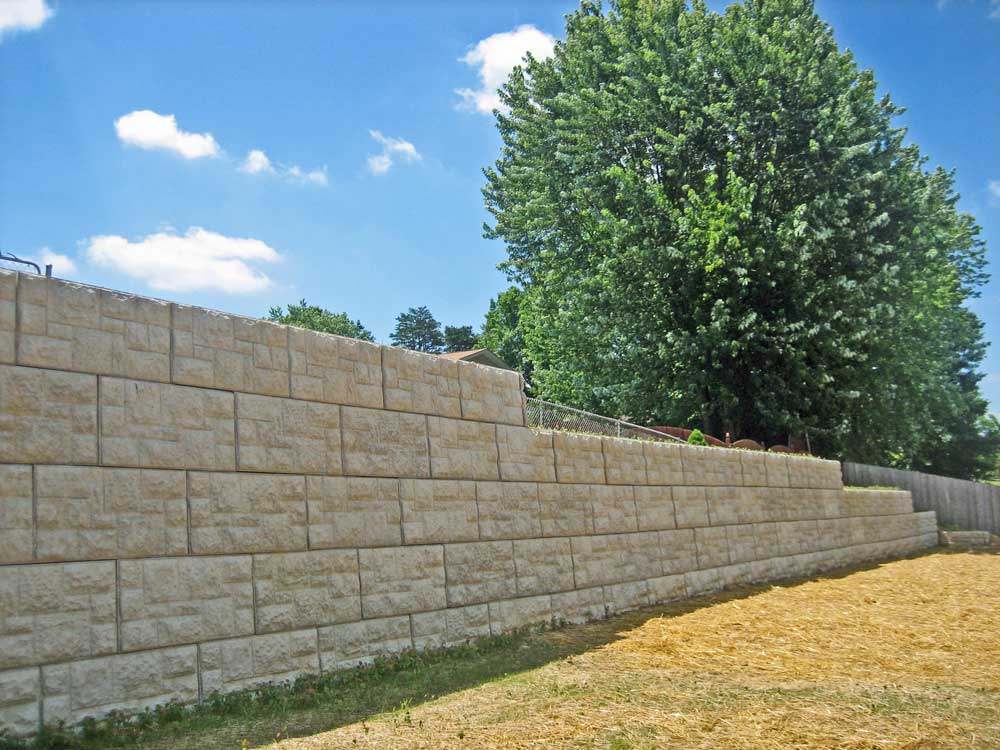 MaxumStone Block Retaining Wall Castle Face