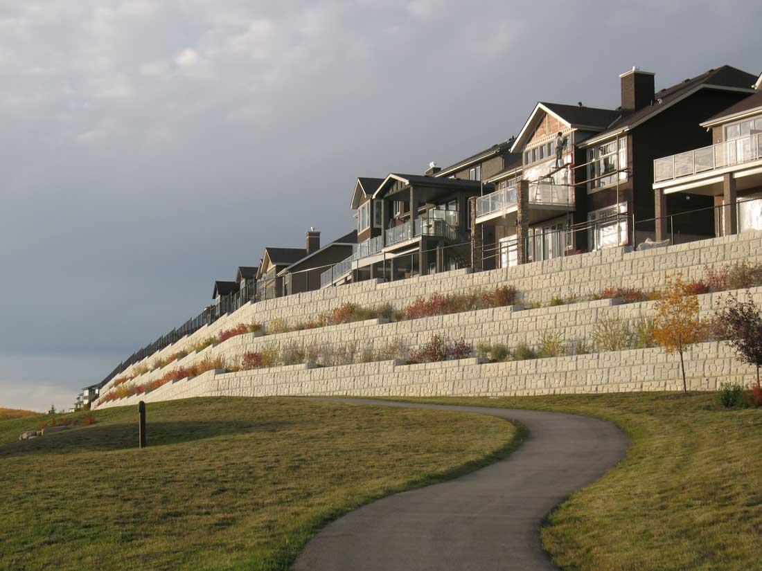 MaxumStone Block Retaining Wall Field Face Development