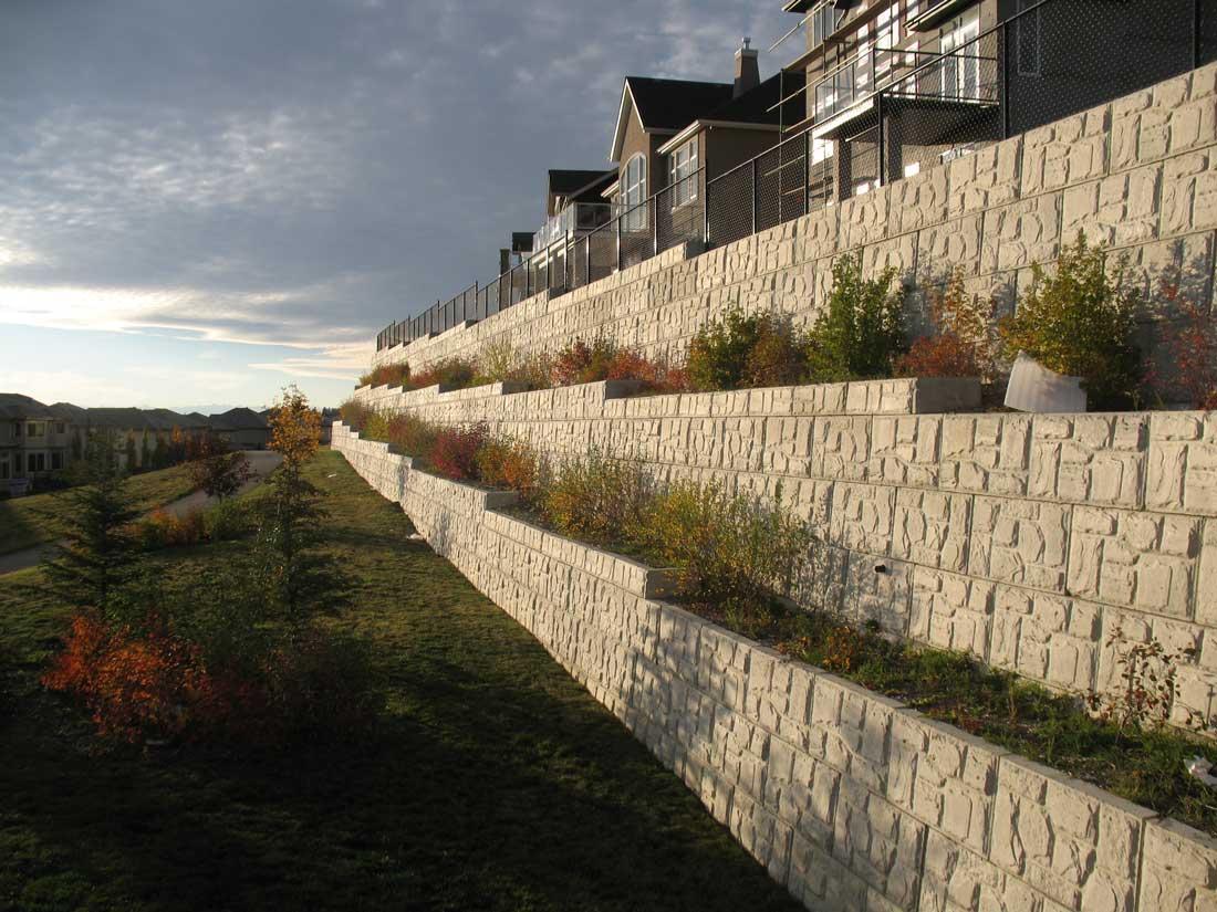 MaxumStone Block Retaining Wall Field Face Sunset