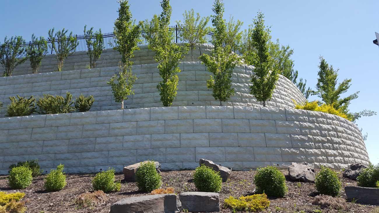 MaxumStone Block Retaining Wall Random Boulder Face Terraces