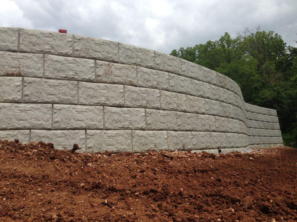 MaxumStone Block Retaining Wall Random Texas Boulder Face