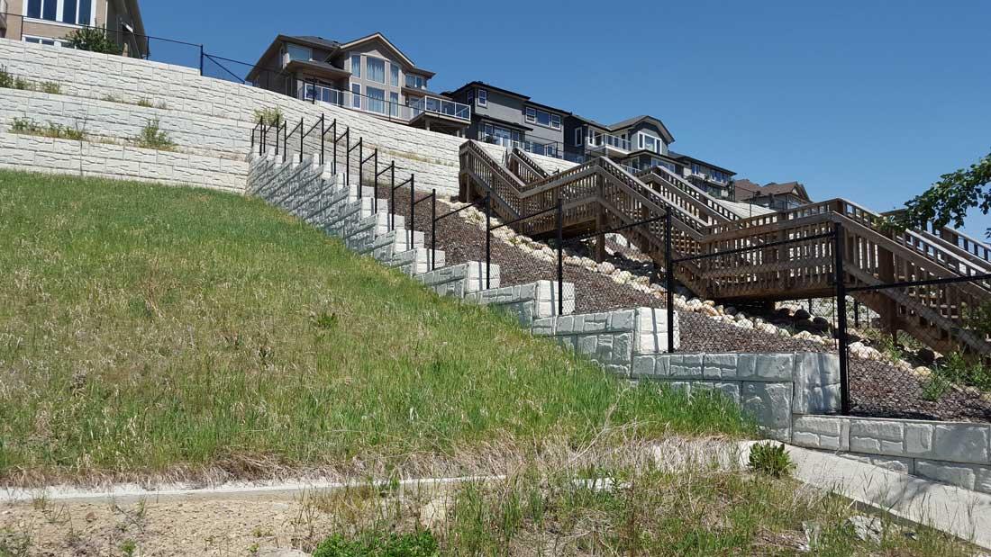 MaxumStone Block Retaining Wall Field Face Stairs & Corners