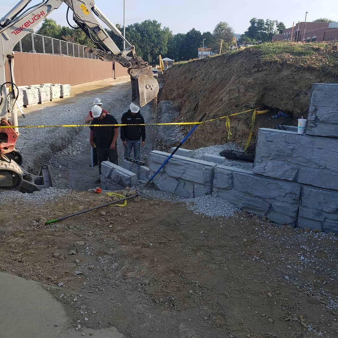 Construction of a MaxumStone Block Wall with base elevation change