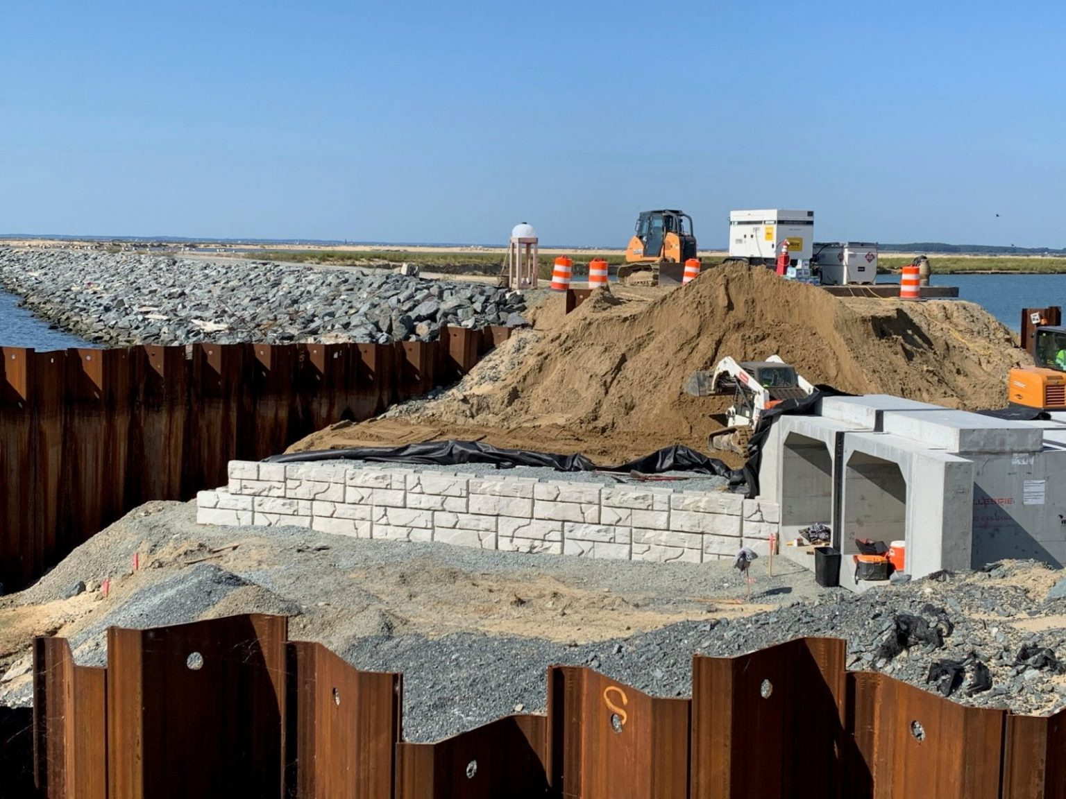 MaxumStone Retaining Wall Ledge Face Under Construction