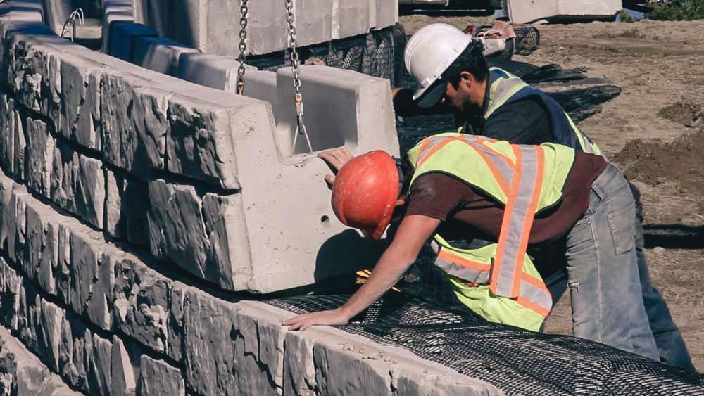 MaxumStone Retaining Wall System